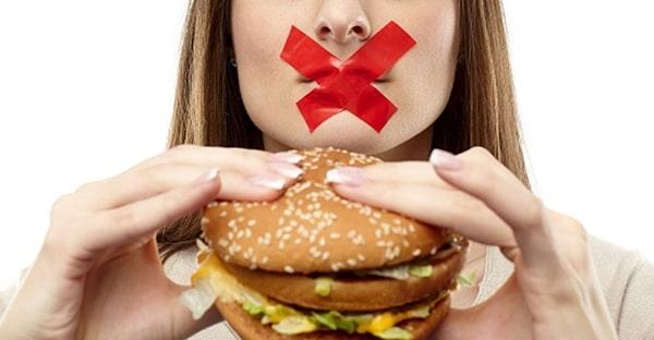 Bạn không nên ăn gì sau khi nhổ răng?